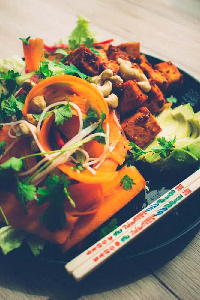 Korealainen nuudeli- salaatti