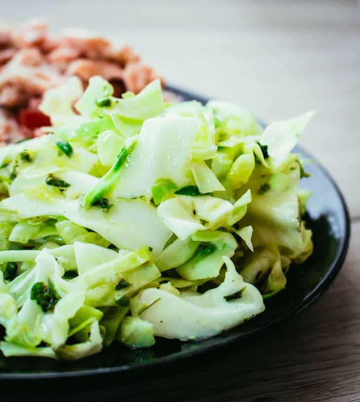 Varhais- kaali- salaatti