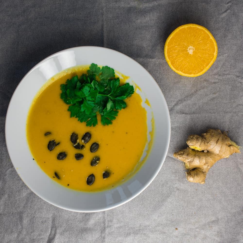 Sitruksinen porkkana-inkiväärikeitto